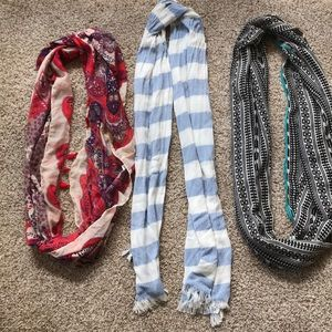 Accessories - 3 scarves, 2 infinity one regular